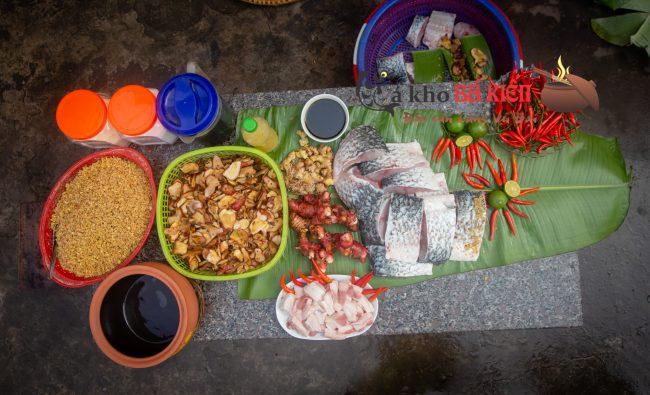 Cá trắm đen và 16 gia vị gia truyền làm nên món cá kho làng Vũ Đại hoàn toàn khác biệt
